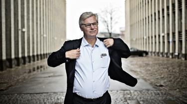 Dansk udviklingspolitik skal stå på tre ben, mener regeringens udenrigsgransker Peter Taksøe-Jensen. Det ene er indsatsen i skrøbelige stater, det andet er FN's 17 nye verdensmål, hvor han anbefaler, at Danmark dygtiggører sig inden for tre-fem mål, og det tredje er flygtninge og migranter