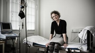Den danske læge Louise Brinth  stod frem og fortalte om en mistanke, hun og kolleger havde, om en mulig sammenhæng mellem HPV-vaccinen og et stort og voksende antal meget syge piger, de behandlede på klinikken på Frederiksberg. Lægerne mente, de så et mønster, som de gerne ville have undersøgt nærmere. Siden har Louise Brinth modtaget sønderlemmende – men fejlagtig – kritik, mener flere, for sin forskning.