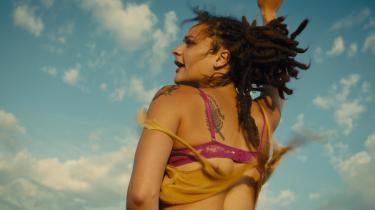 Sasha Lane som Star i Andrea Arnolds besættende 'American Honey'. Foto: Filmfestivalen i Cannes
