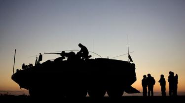 Blå bloks nye historiske krigsundersøgelse skal hverken beskæftige sig med Irak-krigens lovlighed, Danmarks fangeansvar, eller om Folketinget blev godt nok orienteret under krigene i Irak og Afghanistan. 'Et skridt i den rigtige retning,' siger René Gade fra Alternativet