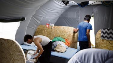 Da lederen af asylcenteret i Næstved lagde en asylant i benlås, var det ifølge lederens advokat 'fuldstændig ufarligt'.