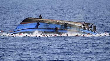 I takt med, at de europæiske myndigheder får lukket ned for Balkan-ruten, bliver Libyen det foretrukne transitland for migranter og flygtninge, der forsøger at komme ind i Europa på overfyldte både