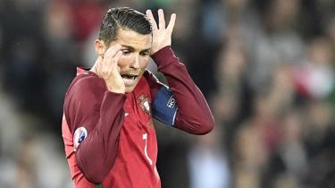 Når Portugal og Ungarn møder hinanden onsdag aften, er det et sindbillede på fodboldens flertydige rolle i Europa