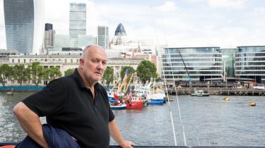 58-årige John Hancock er tidligere skipper, og han siger, at det er EU's skyld, at han ikke længere kunne fortsætte med det arbejde. Blandt andet derfor stemmer han i dag for, at Storbritannien skal forlade EU. 'Jeg kan ikke få øje på en eneste ting, EU har gjort for dette land,' siger han.