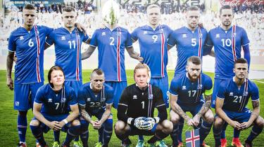Vi mennesker har en mærkværdig masochistisk forkærlighed for outsidere. Klodshans, vagabonder, islandske fodboldhold. Og intet puster til underdog-narrativet som en arrogant overherre med dårlig taberattitude. Ingen Askepot uden onde stedsøstre. Ingen islandske fodboldsagaer uden Ronaldo'er