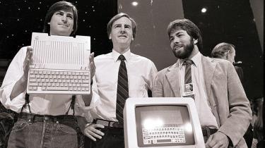 Steve Jobs (her til venstre under en præsentation af en Apple-computer i San Francisco i 1984) ville ikke hyre en traditionel ingeniør, siger CNN-vært og forfatter Fareed Zakaria. I stedet ville Jobs finde en kreativ mand, som kunne tænke i krydsfeltet mellem teknologi og humaniora, mener Fareed i et forsvar for humaniora.