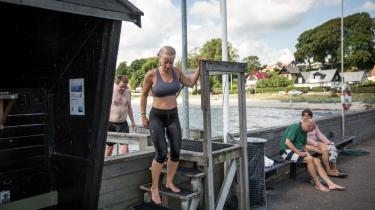 Pernille Vermund løber 3-4 gange om ugen, typisk en rute på 12 km, hvor hun afslutter løbeturen med en dukkert ved Snekkersten Havn. I dag bader hun i sit løbetøj. Om vinteren gør hun det nøgen.