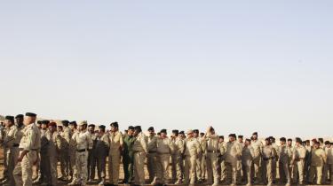 Information var med til første lektion i krigens regler for et nyt kompagni rekrutter på Ain al-Asad-basen. I denne måned kommer rekrutterne fra det irakiske grænsepoliti, danskerne trænede.