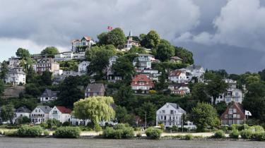 I Hamborg skilter man ikke med sine penge. Her rigmandsbydelen Blankenese ved Elben.