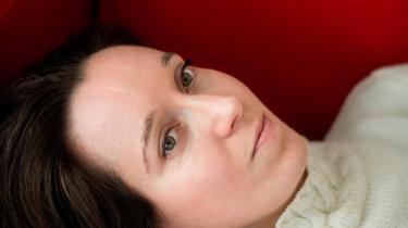 Det er stadig tabu at tale om, hvor svært det kan være at være mor, hævder forfatter Maja Lucas, der i sin roman 'Mor' beskriver et klaustrofobisk moderskab, der måske ender galt. Der er simpelthen tale om et urtabu, ingen af os ønsker at høre noget om – slet ikke fra vor egen mor