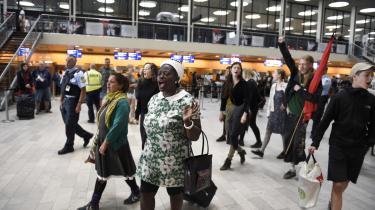 Organisationerne Welcome to Denmark og Ingen Udvisninger Uden Modstand stod tidligere på måneden bag aktioner, der var med til at forhindre deportation af tre lesbiske kvinder fra Uganda, hvor de risikerer forfølgelse. Men de fleste deportationer går mere eller mindre upåagtet hen.