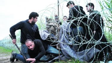Syriske flygtninge forsøger at krydse grænsen fra Serbien til Ungarn sidste sommer. Flygtningestrømmene er ikke undtagelser eller afvigelser fra den globaliserede kapitalisme, men en naturlig del af den.