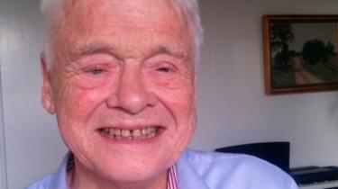 Kendt for sin skarpe humor og evne til at samtale blev han for synshandikappede et eksempel på, at der findes et liv efter blindheden
