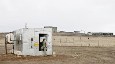 USA er næppe til sinds at betale husleje til Grønland for at benytte Thule Air Base. Med 600 militære installationer uden for USA, er amerikanerne ikke interesseret i at skabe præcedens for, at de betaler for at have baser i udlandet.