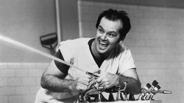 I 'Gøgereden fra 1976, der har Jack Nicholson i hovedrollen, bliver den psykisk syge hyldet som antitesen til et repressivt, glædesløst normalsamfund.