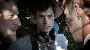 Hvornår bliver man voksen? Det spørgsmål tumler man med gennem hele livet, mener manuskriptforfatteren Rasmus Heisterberg, der instruktørdebuterer med 'I blodet', der handler om fire venner i begyndelsen af 20'erne og en lang sommer, hvor meget sker