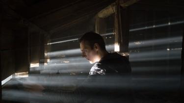 Em af hovedpersonerne i 'Blair Witch' har begivet sig i sin forsvundne søsters fodspor i. Hun forsvandt i den første film, og brorens manglende frygt i den sammenhæng er ikke det eneste, der fremstår lidt uforklaret i den nye film. Foto: AP