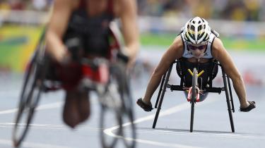 Der er mange klicheer i sportens verden. Disse Paralympiske Lege har ikke budt på mange af dem. Alvoren er for tydelig hos deltagerne og i de betingelser de kæmper under i og uden for stadion