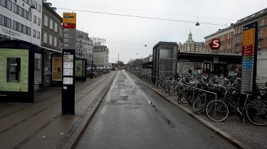Ved stoppestedet på Nørreport er der mennesketomt