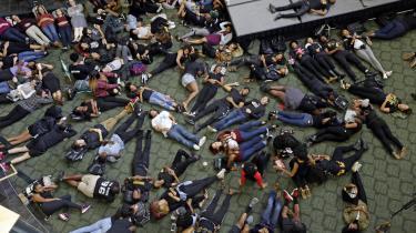 Studerende på University of North Carolina Charlotte protesterer mod nedskydningen af Keith Lamont Scott.