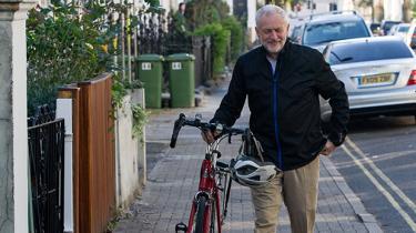 Hvis britiske Labour genvælger Jeremy Corbyn som formand i dag, vælger de abstrakte idealer frem for politiker, der vil gøre noget ved den politiske virkelighed