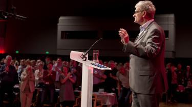 Mogens Lykketoft har netop meddelt, at han stopper i dansk politik. Under VK-regeringen takkede socialdemokraten nej til et tilbud fra Per Stig Møller om at blive ambassadør.