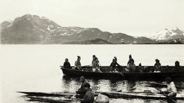 Den grønlandske fangerkultur er med tiden blevet trængt i baggrunden, men faktisk var den danske tilstedeværelse motiveret af, at man gerne ville have de varer, som fangerne kunne skaffe: pels, sælskind og hval. Det fortæller Mille Gabriel, museumsinspektør ved Nationalmuseets Etnografiske Samling. »Fangerkulturen var noget, man opfordrede dem til at holde fast i, ikke noget man ville undertrykke. Men det var svært at vedholde den vandrende jæger- og samlerkultur, når kirken samtidig gerne ville knytte den grønlandske befolkning til bestemte kolonibyer,« siger Mille Gabriel og fortæller samtidig, at fangerlivet har fået en form for genopblomstring, idet man ser det som et stærkt identitetsbærende element i Grønland.