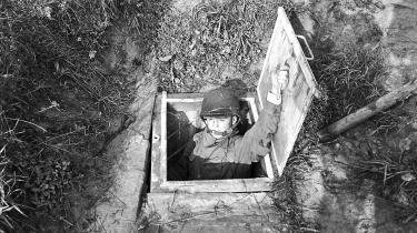 Soldater fra Farum Kaserne afprøveret såkaldt atomsikret beskyttelsesrum i 1965.