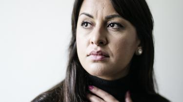 Der er sjældent tid til at få nuancerne med i den offentlige debat, mener den dansk-afghanske debattør og forfatter Geeti Amiri. Nu udgiver hun sine erindringer for at bidrage med kompleksiteten fra sin egen historie