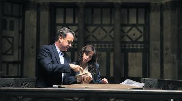 I 'Inferno' udsætter Tom Hanks i rollen som Professor Langdon sin meddetektiv dr. Sienna Brooks (Felicity Jones) for en hel del 'mansplaining'.