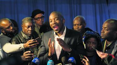 Fra antiapartheid-protestparti til 'den hvide mands parti' til et 'catch all'-parti, der samler sydafrikanere på tværs af race. Opbakningen til Democratic Alliance og partiets første sorte leder kan række ud over de nyligt vundne storbyer, spår ekspert