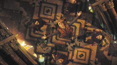 Mads Mikkelsen i rollen som The Ancient Ones tidligere discipel, Kaecilius, der jagter det evige liv og forsøger at give mørkevæsenet Dormammu adgang til menneskenes virkelighed