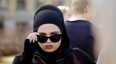 Kronikøren Duygu Cakir ville ønske, at danske tv-serier skildrede muslimske piger på en mere nuanceret måde. Gerne som karakteren Sana fra serien 'SKAM'.