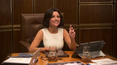 Julia Louis-Dreyfus spiller den inkompetente vicepræsident, der ender som præsident i komedieserien 'Veep'. Foto: HBO