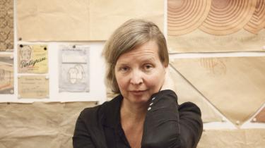 'Jeg vil ikke skrive en bog, hvor det er ligegyldigt, om den blev skrevet. Jeg vil ikke skrive bøger, som ikke skal skrives. Det behøver ikke være politisk, det skal bare være vigtigt for mig,' siger den tyske forfatter Jenny Erpenbeck, da Informations litteraturredaktør møder hende i Berlin.
