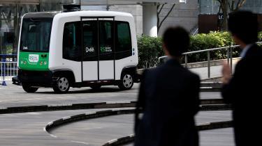 En førerløs Robot Shuttle til brug i den offentlige transport bliver demonstreret i Tokyo, Japan. Foto: Toru Hanai/Scanpix