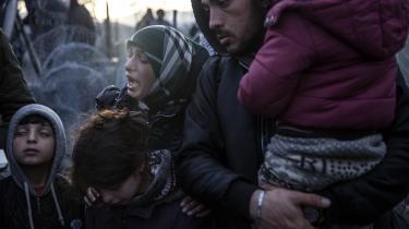 Flygtninge i Idomine, Grækenland, ved den makedonske grænse