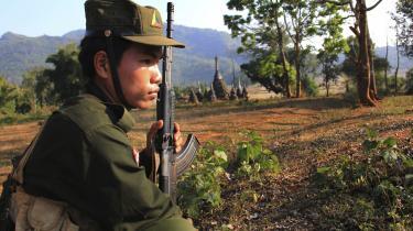 Der har været spekulationer om, hvorvidt Kina støtter de lokale oprørsgrupper i Shan-staten militært og dermed bidrager til at forværre konflikten i det nordlige Myanmar.