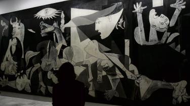 Verdens vel nok mest kendte bataljemaleri – Pablo Picassos 'Guernica' fra 1937, som hænger på Reina Sofiamuseet i Madrid – er et fremragende eksempel på, hvordan en dramatisk krigsscene selv kan blive scene for voldsomme kampe. I 2016 fik ordet batalje fornyet i den danske kunstverden.
