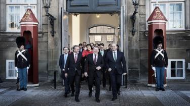 Et kig i regeringspartiernes regnskaber afslører,at båndet mellem Venstre, Liberal Alliance og Konservative og Danmarks rigeste familievirksomheder styrkedes med flere direkte donationeri det vigtige valgår 2015.Nu vil de helt afskaffe skatten på generationsskifte