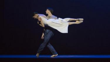 Hamburgballettens 'Das Lied von der Erde'er én lang skønhedsbevægelse frem mod døden