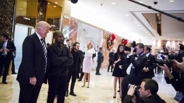 Forskellen er selvfølgelig, at Kanye West er kunstner. Og genial. Alt, han rører ved, bliver til ægte guld, og man fornemmer altid en skrøbelighed under glitteret. Det gør man aldrig med Donald Trump.