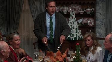 Chevy Chase spiller Clark Griswold i klassikeren, Fars fede juleferie, hvor julen bestemt ikke går som planlagt.