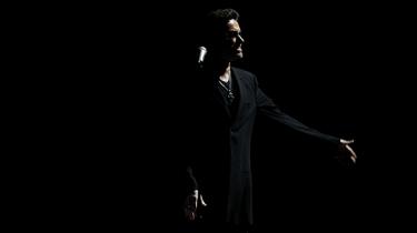 Det britiske popikon George Michael er pludseligt død – kun 53 år gammel. Vi kigger på hans karriere fra tiden som teenidol i 1980'erne til en position som en af sin generations mest respekterede sangskrivere og performere