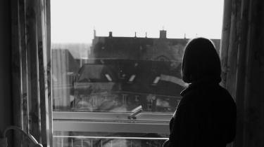Kan det virkelig være rigtigt, at vi kun kan straffe det, vi kan påvise med rifter og blå mærker? At vi ikke med lovgivning kan slå fast, at det er fundamentalt forkert og strafbart at udøve psykisk vold i nære relationer?
