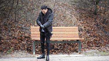 Masinissa Khaled Elghawis største drøm er at blive politibetjent. Han havde håbet på at søge ind til sommer, men det kræver et dansk statsborgerskab. På grund af en færdselsbøde på 3.000 kroner er hans drøm nu rykket cirka fem år ud i fremtiden, hvis man medregner den sagsbehandlingstid, der er på ansøgninger om statsborgerskab.