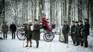 Medlemmer af kongehuset tager imod rejser, jagter, dyrt tøj, tasker og kunst fra gavmilde givere. Her er det dog prins Henrik, der har inviteret gæster på jagt i statskoven Grib Skov.