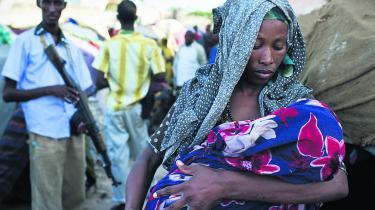 Udlændingestyrelsen forsøger i øjeblikket at finde ud af, om der er nogen af 800 somaliere med opholdstilladelse i Danmark, som kan sendes tilbage til deres hjemland, da 'de generelle forhold' ifølge styrelsen er blevet markant forbedret flere steder i landet. Billedet er fra Mogadishu i Somalia.