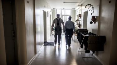 'Jeg har aldrig nogen sinde været bange for de indsatte. Jeg har været mere nervøse over for nogle af mine kolleger.' Sådan lyder det fra tidligere fængselsbetjent Lærke Mogensen.