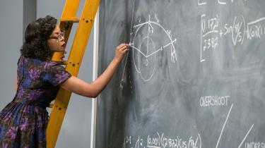 Katherine Johnson (Taraji P. Henson) er en brillant matematiker, der får arbejde hos NASA, men må kæmpe med både racisme og chauvinisme i Theodore Melfis 'Hidden Figures'. Foto: Twentieth Century Fox/SF Film